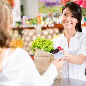 grocery-shopping-retail-service Singapore Helps Retail and F&B Sectors Plug Manpower Gaps