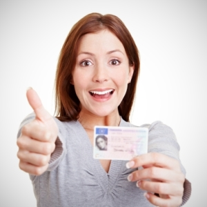 woman-with-work-visa Singapore Work Visa Schemes